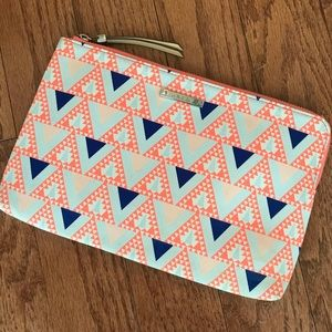 Stella & Dot Graphic Clutch